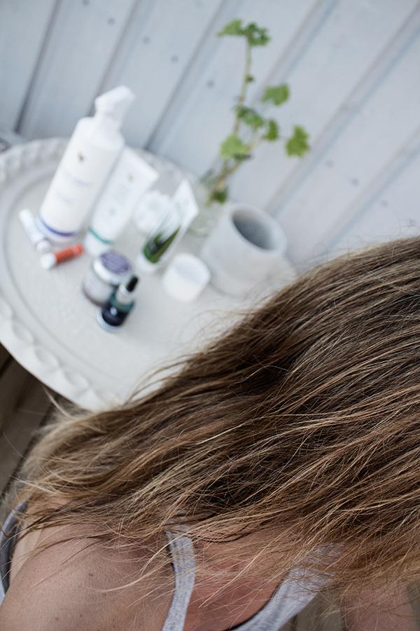 slingat hår