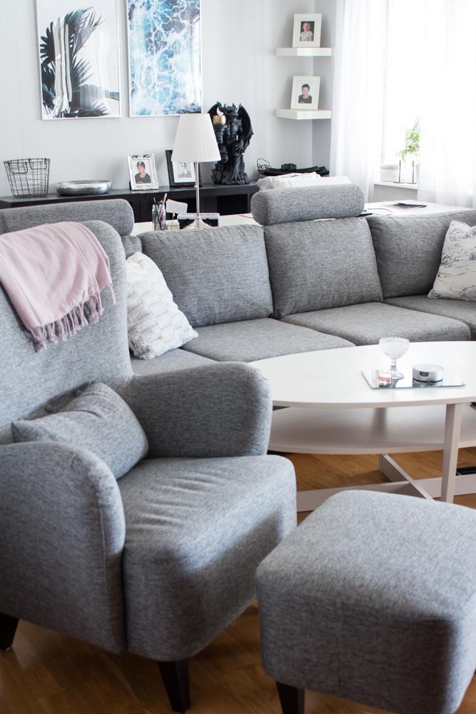 ny soffa och fåtölj