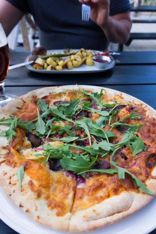 Stenugnsbakad pizza